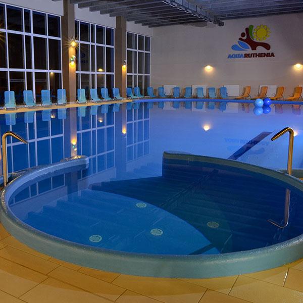 vnútorný relaxačný bazén Aquaruthenia