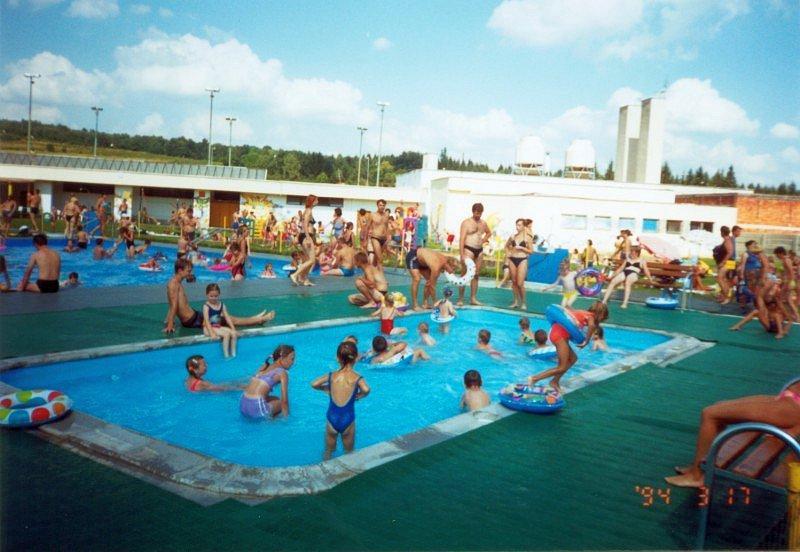 detský bazénik Svidník rok 2000