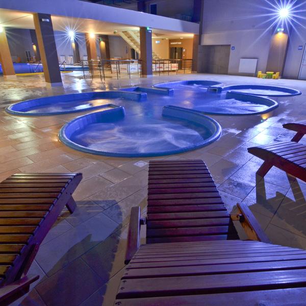 basen z masażem