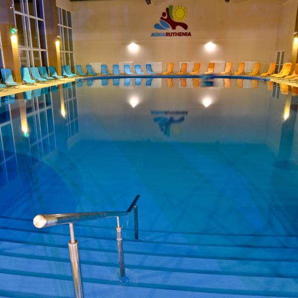 schody do relaxačného bazénu