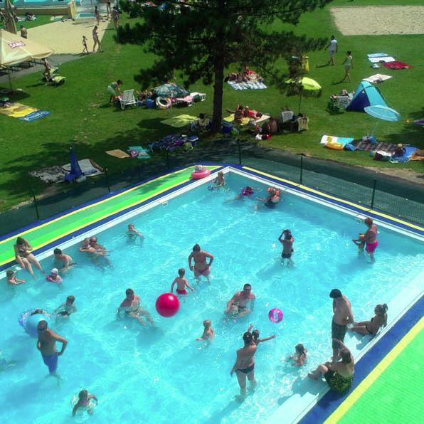 nowy wypoczynkowy basen w Svidniku